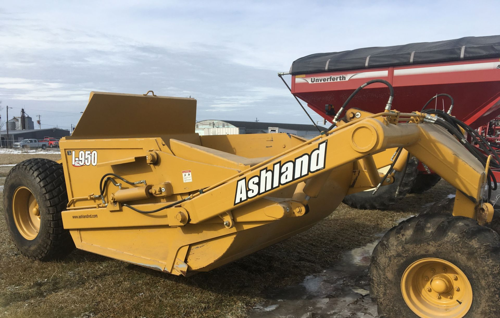 Lot 9 - 2011 Ashland I-950XLZ 9 1/2 Yard Pull Type Ejection Scraper