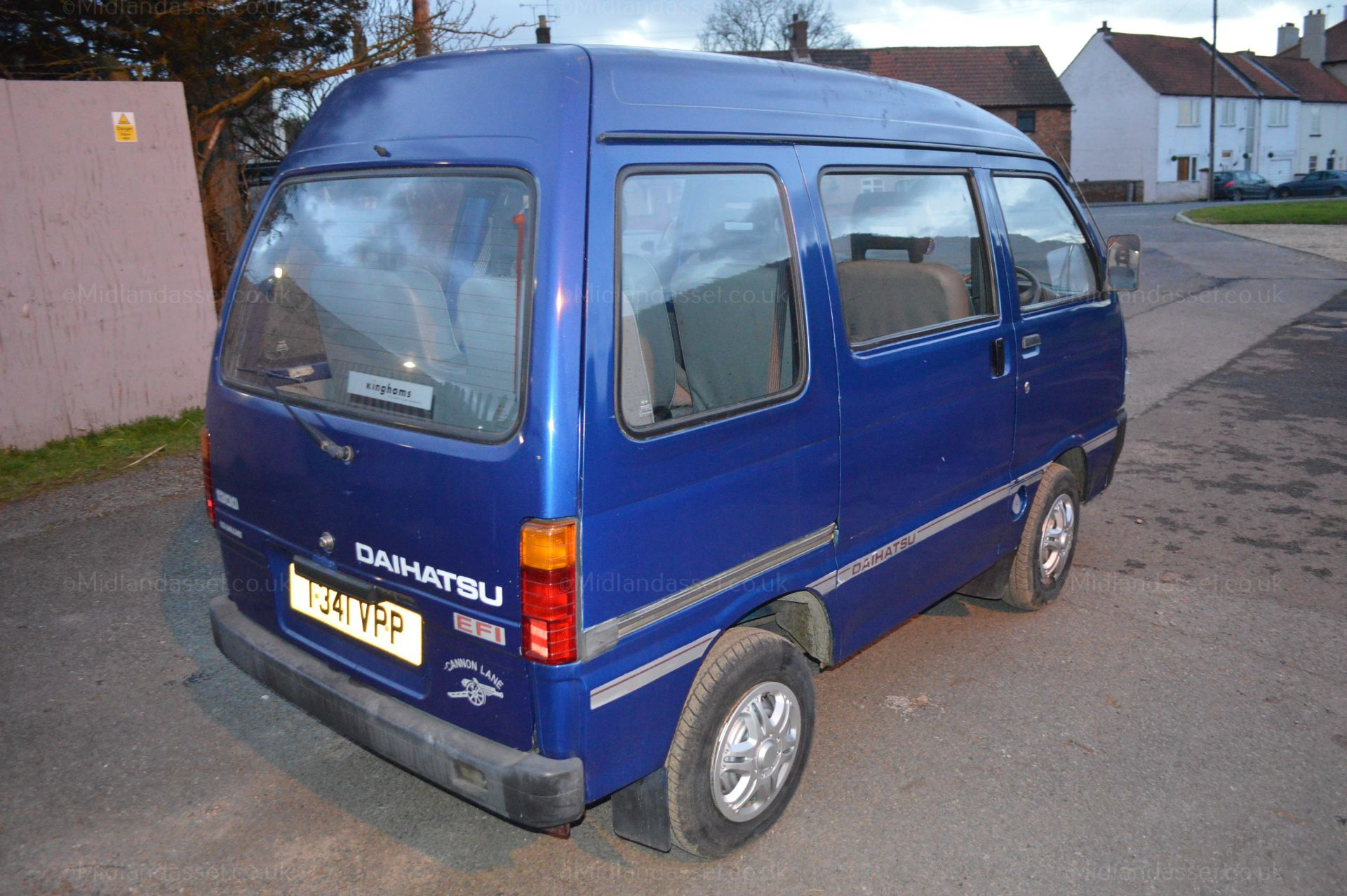 Lot 158 - 1999/T REG DAIHATSU HI-JET 1300 16V VAN *NO VAT*   DATE OF REGISTRATION: 15th JUNE 1999 MOT: 8th