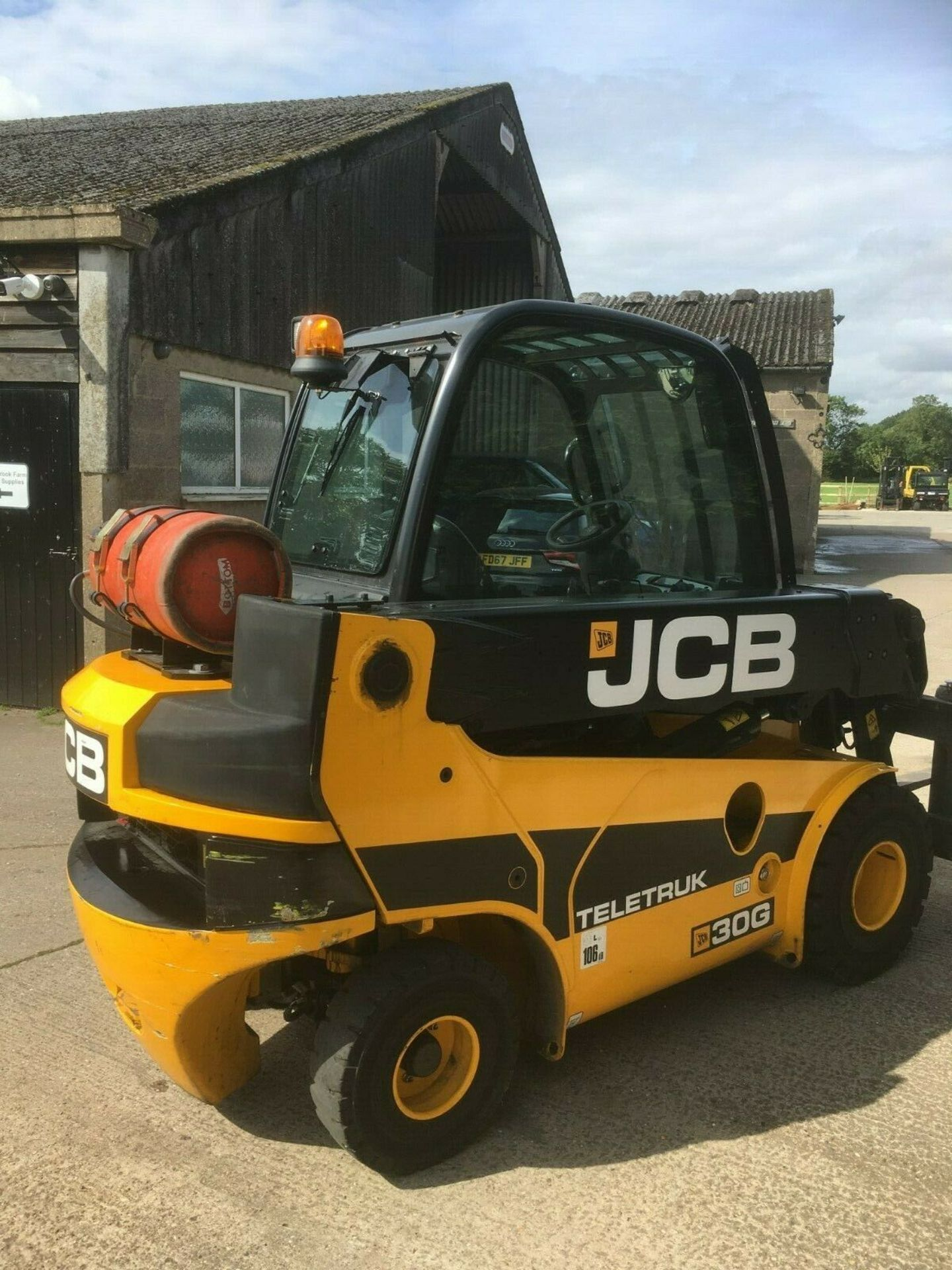Lot 37 - JCB TELETRUK 30G, YEAR 2016, ONLY 720 HOURS. *PLUS VAT*
