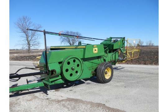 JD 336 Small Square Baler w/40 Hyd  THrower, Late Model Unit