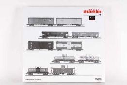Märklin 45649, US-Wagendisplay, zehn GüterwagenMärklin 45649, US-Wagendisplay, zehn Güterwagen, sehr