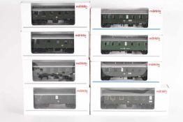 Märklin, neun PersonenzugwagenMärklin, acht Personenzugwagen, 4313, 4314, 43040, 4305, 43060, 43070,