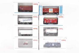 Märklin, sieben Güterwagen, eine Bahnmeister-DraisineMärklin, sieben Güterwagen, eine Bahnmeister-