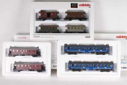 Märklin, acht Personenwagen in drei SetsMärklin, acht Personenwagen in drei Sets, 4035, 42891,