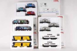 Märklin, zwölf Güterwagen in fünf Wagen-SetsMärklin, zwölf Güterwagen in fünf Wagen-Sets, 46423,