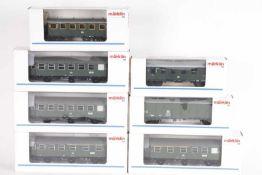 Märklin, sieben PersonenzugwagenMärklin, sieben Personenzugwagen, 4235, 4302, 2 x 4317, 2 x 4318,