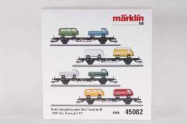 Märklin 45082, VW-Bus Transport T2Märklin 45082, VW-Bus Transport T2, vier Flachwagen mit acht VW