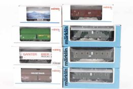 Märklin, fünf Güterwagen, drei PersonenwagenMärklin, fünf Güterwagen, drei Personenwagen,