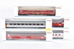 Märklin, fünf ReisezugwagenMärklin, fünf Reisezugwagen, 4064, 4232, 42351, 2 x 42692, sehr gut