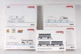 Märklin, zehn Güterwagen in fünf Wagen-SetsMärklin, zehn Güterwagen in fünf Wagen-Sets, 46195,