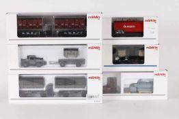 Märklin, vier Güterwagen und zwei Güterwagen-SetsMärklin, vier Güterwagen und zwei Güterwagen-