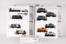 Märklin, zwölf Güterwagen in fünf Wagen-SetsMärklin, zwölf Güterwagen in fünf Wagen-Sets, 4509,