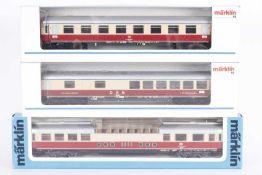 Märklin, drei TEE- / IC-WagenMärklin, drei TEE- / IC-Wagen, 4085, 4087, 4099, sehr gut erhalten,