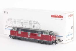 "Märklin 3582, Diesellok ""221 107-6"" der DBMärklin 3582, Diesellok ""221 107-6"" der DB, *****-Antrieb,"
