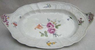 GONDELPLATTE, Kgl Porzellanmanuf Meissen, 1763-1780, gewellter Rocaillerand, Blume Mitte, alte