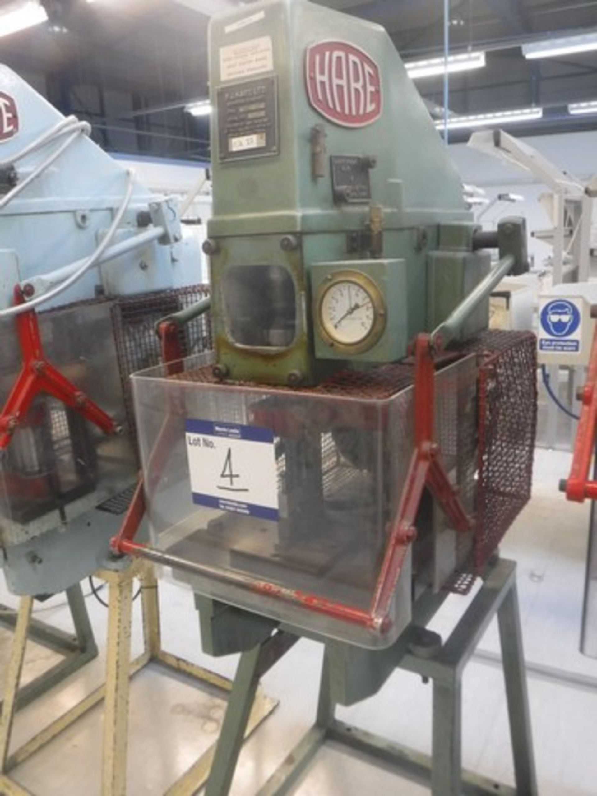 Lot 1004 - HARE 5BS hydraulic press SN - 7720359