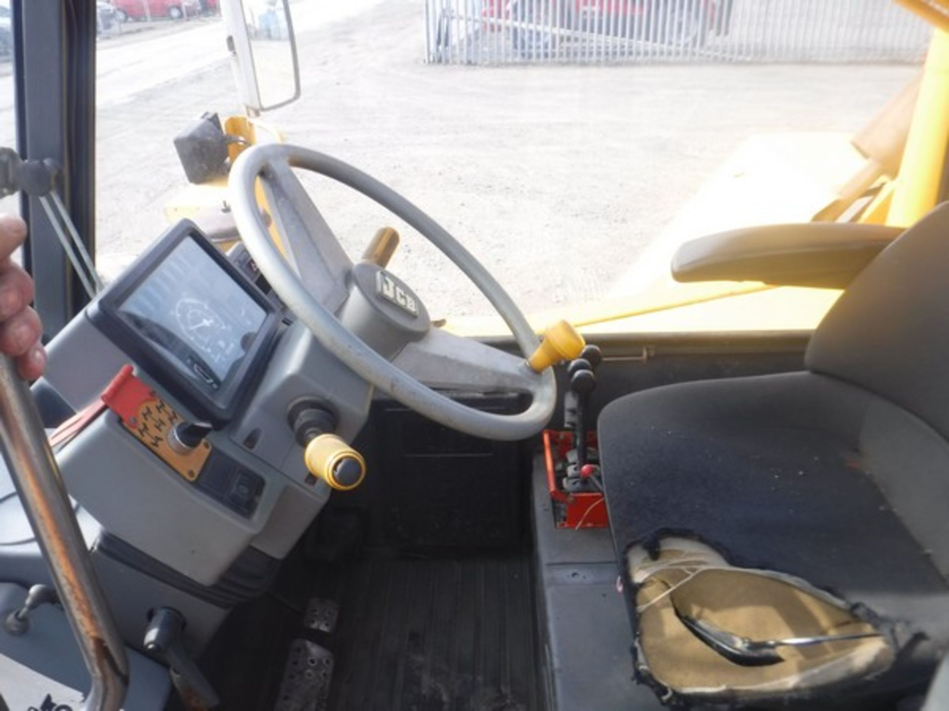 Auktionslos 816 - JCB 525-67 loadal. 6948hrs not verified) c/w pallet forks (not verified) S/N 609462X