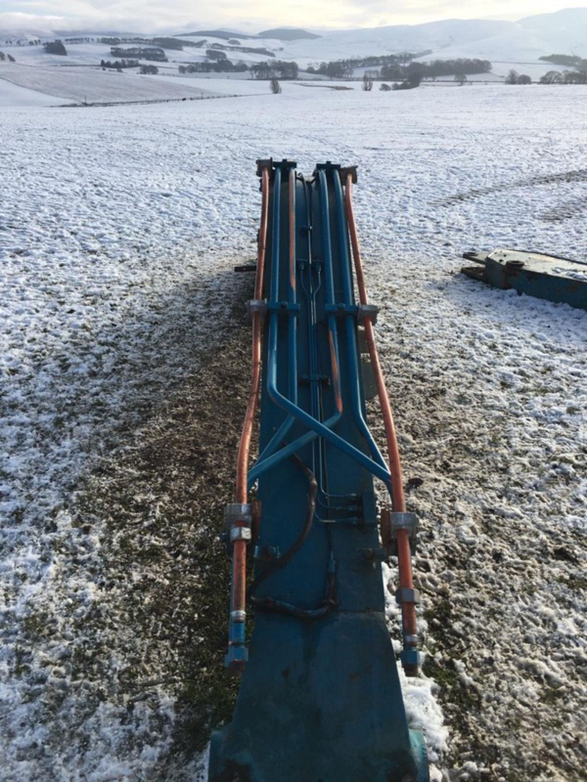 Auktionslos 243 - DOOSAN main boom. . **To be sold from Errol auction site. Viewing and uplift from Biggar M