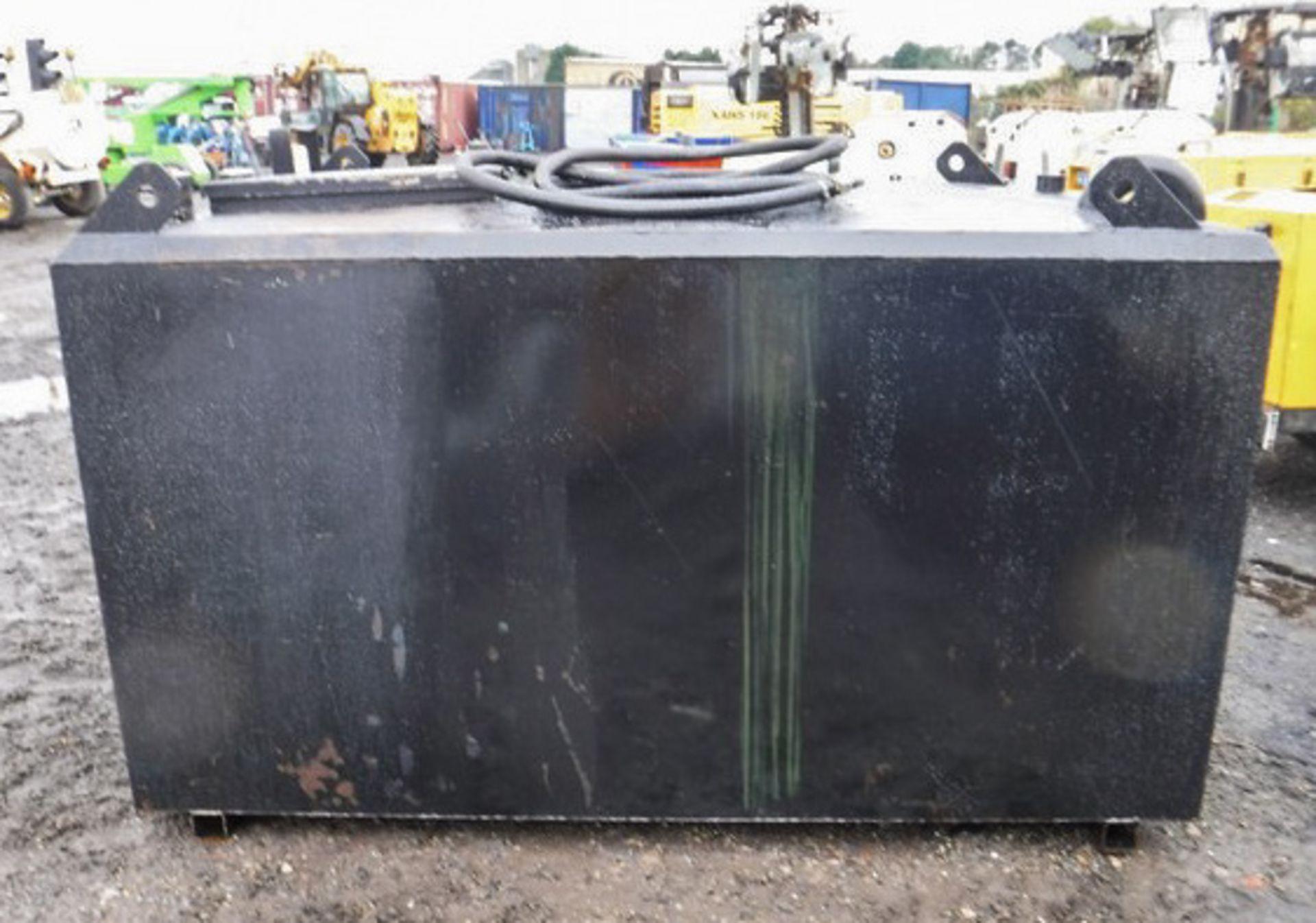 Auktionslos 231 - BUNDED waste tank, 2170ltrs