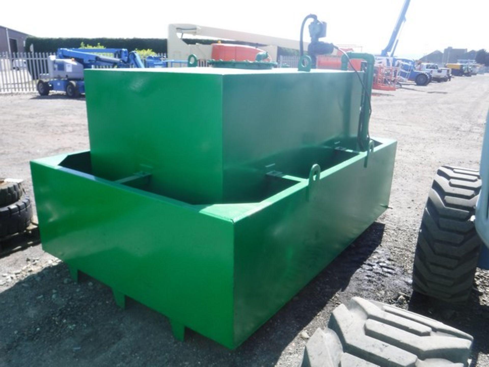 Auktionslos 230 - 2000LTR DERV bunded fuel tank