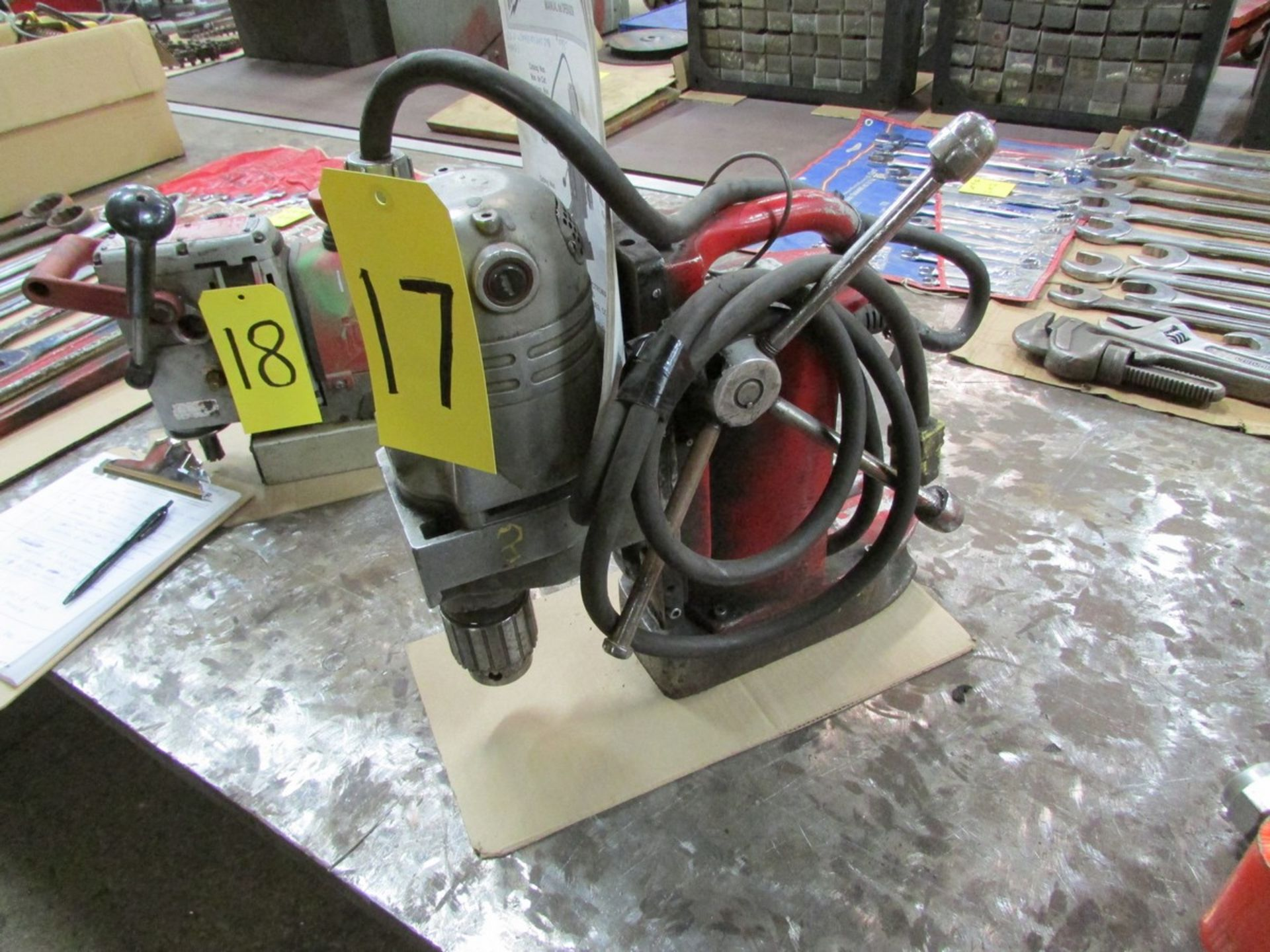 Lot 17 - Milwaukee magnetic drill w/ 1/2'' chuck, 110V