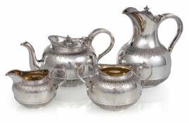 Kaffee und TeeserviceLondon, 1903H. 8/20 cmKaffeekanne, Teekanne, Zuckerschale, Sahnekännchen.