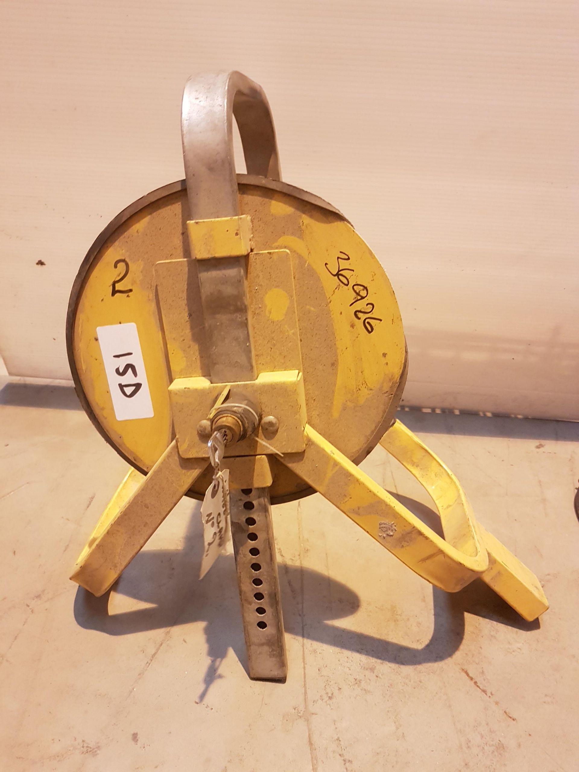 Lot 15 - Wheel Clamp