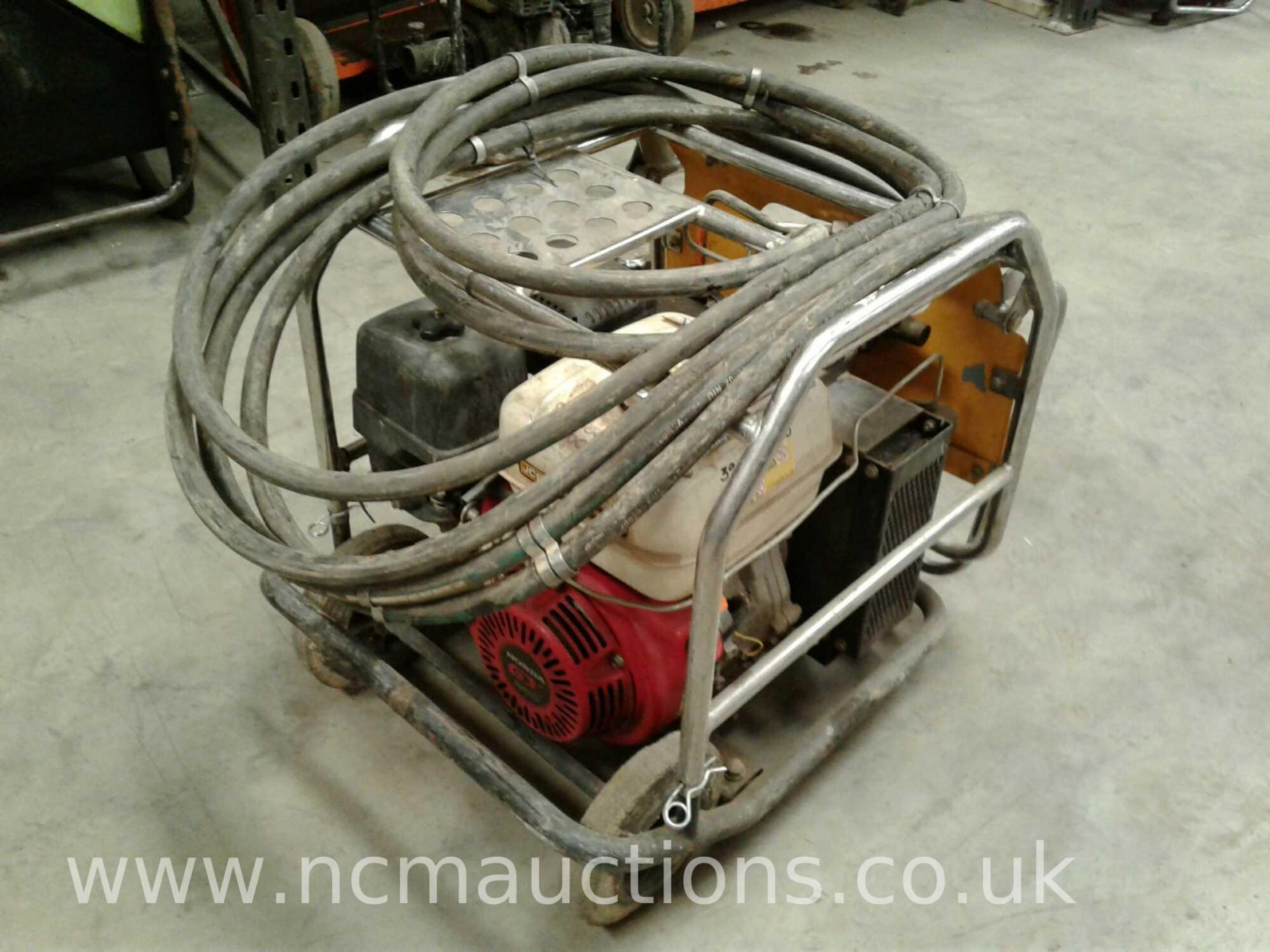 Lot 86 - JCB Beaver pack with hose