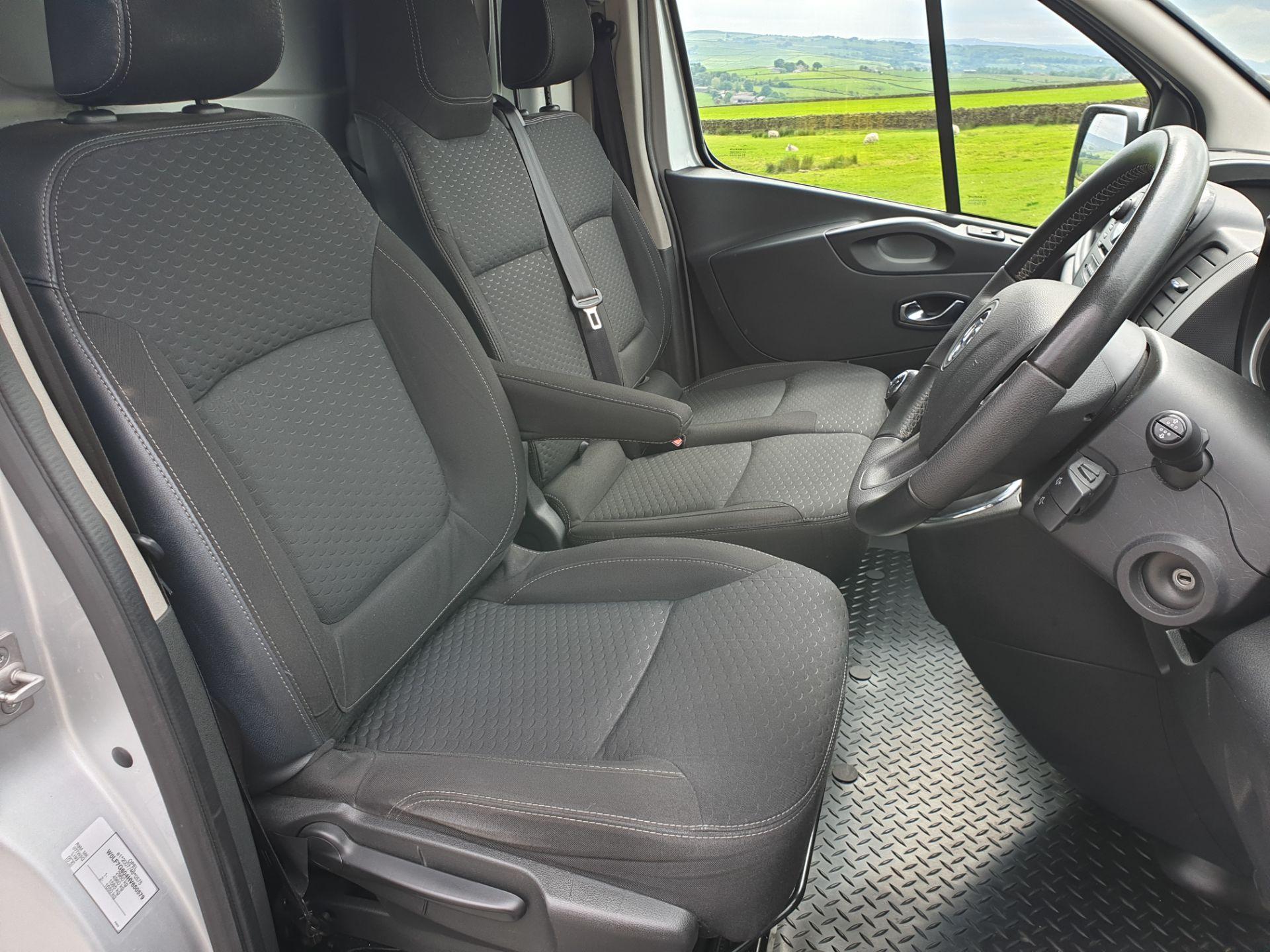 Lot 8 - 2017 / 17 Vauxhall Vivaro Sportive