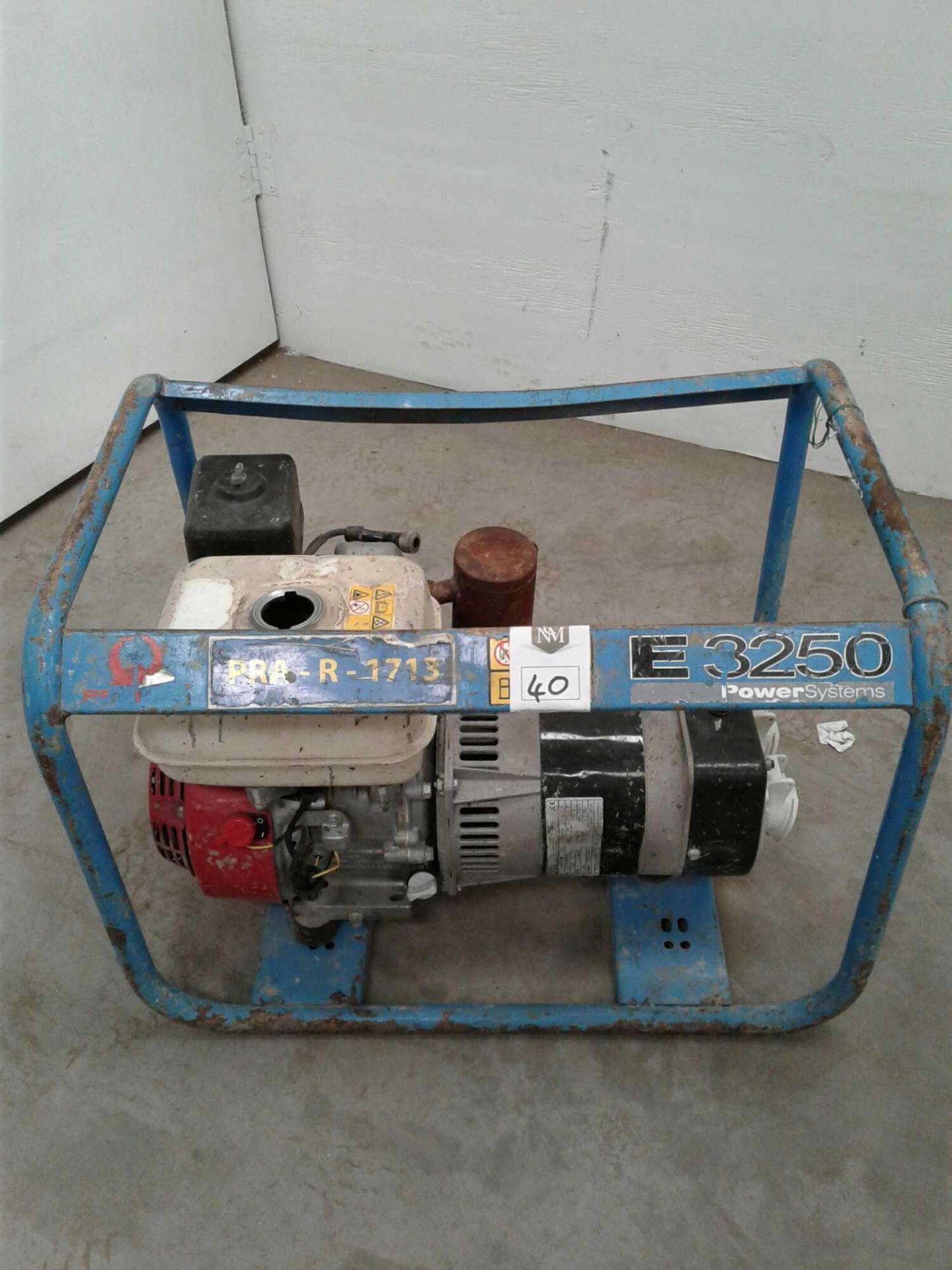 Lot 40 - 2.4 kVA petrol generator
