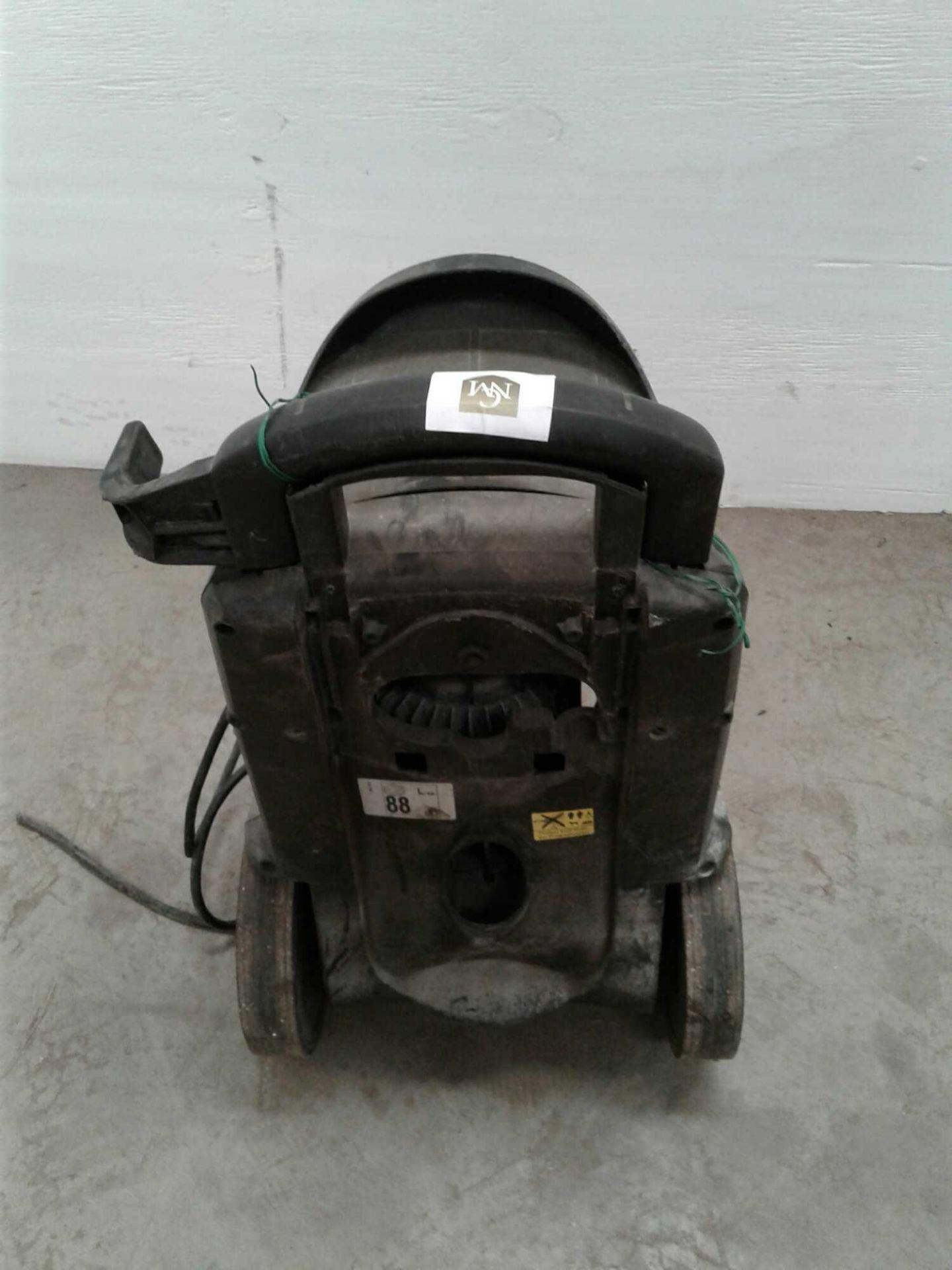 Lot 48 - Karcher power washer
