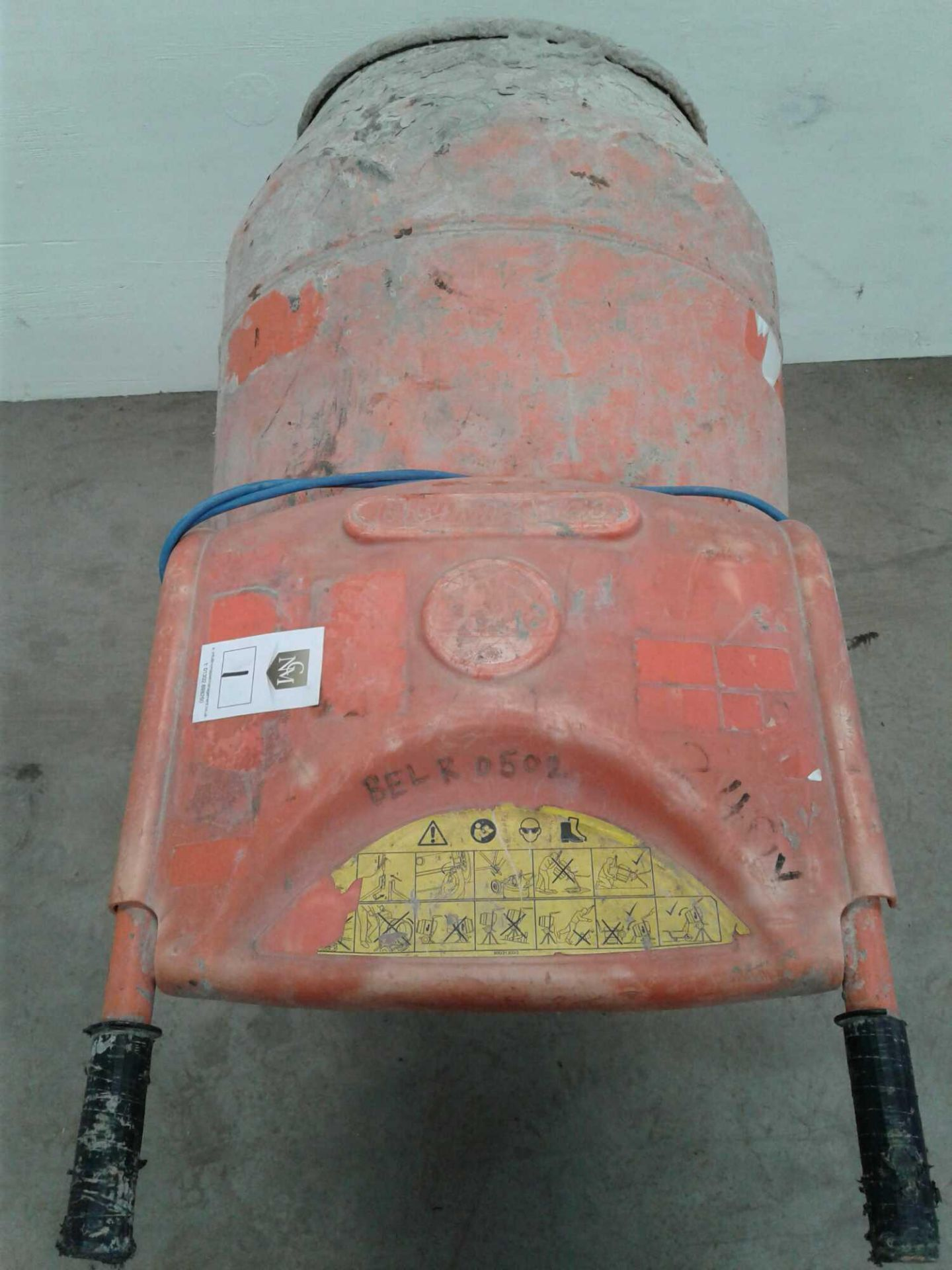 Lot 1 - Belle minimix 150 concrete mixer 230v