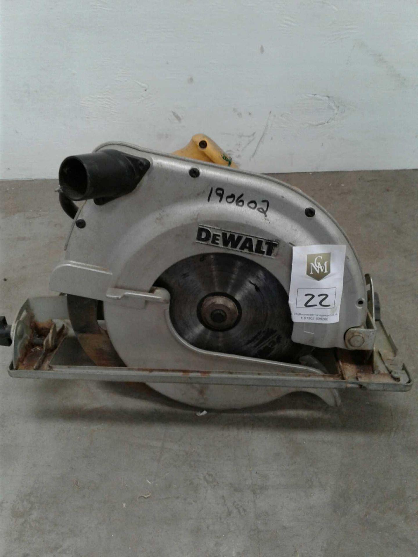 Lot 22 - DeWalt circular saw 110 V