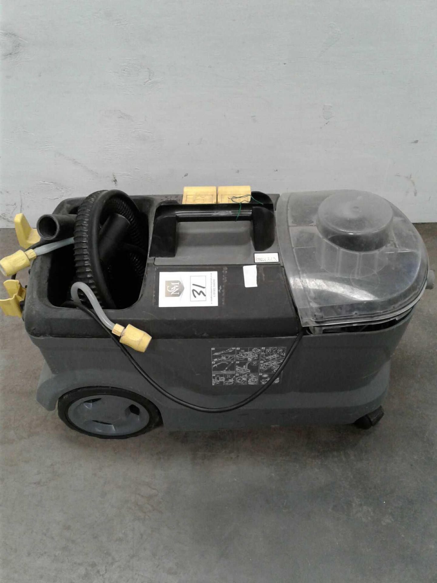 Lot 31 - Karcher carpet cleaner 230v
