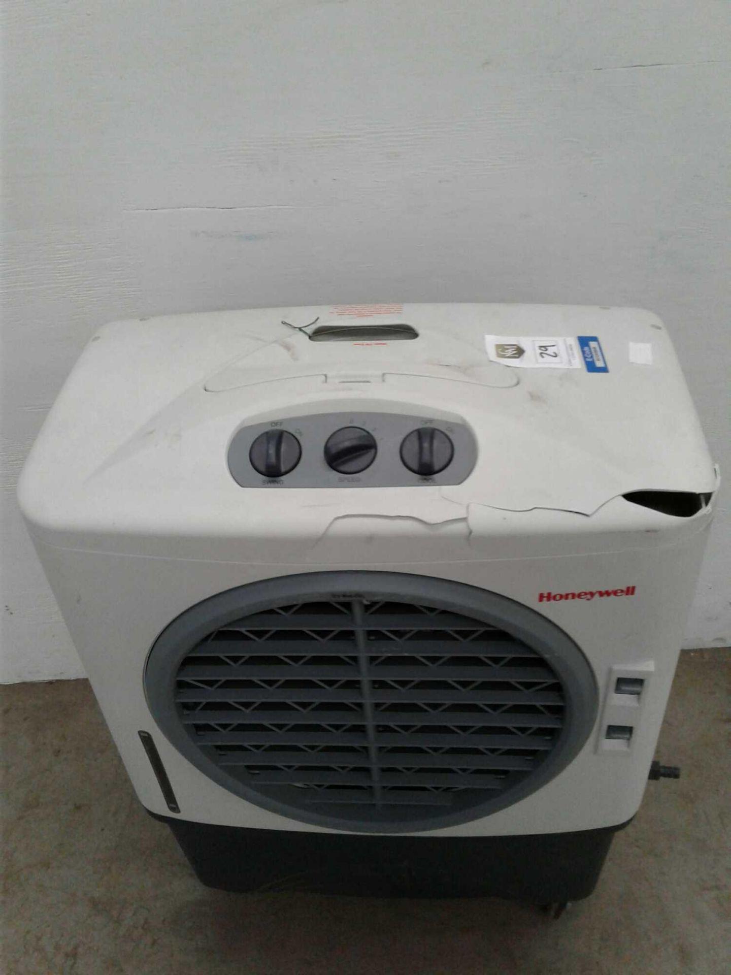 Lot 29 - Honeywell air conditioning unit 230 V