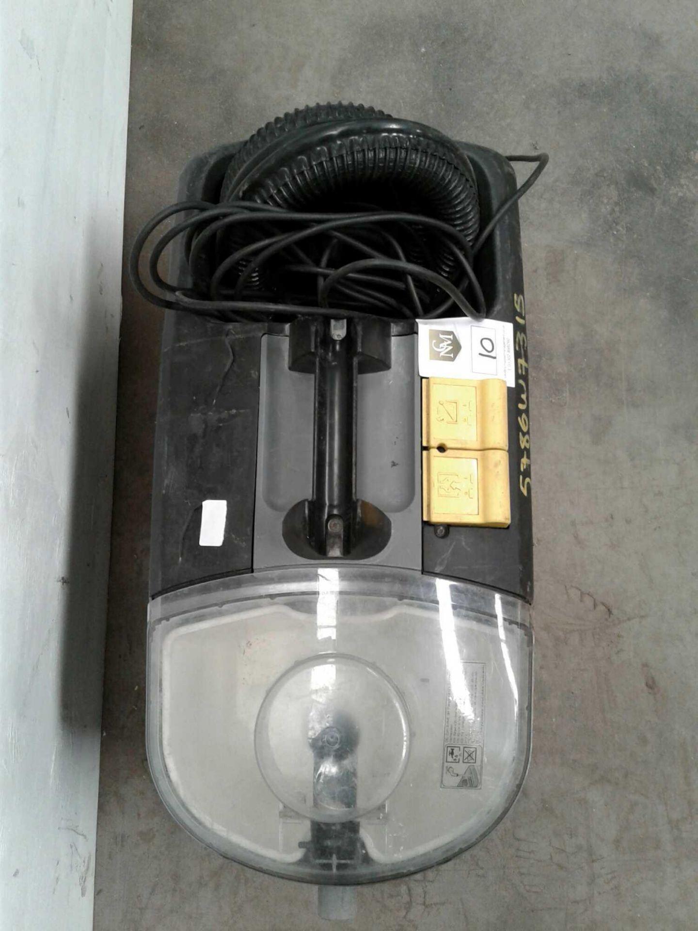 Lot 10 - Karcher carpet cleaner TV