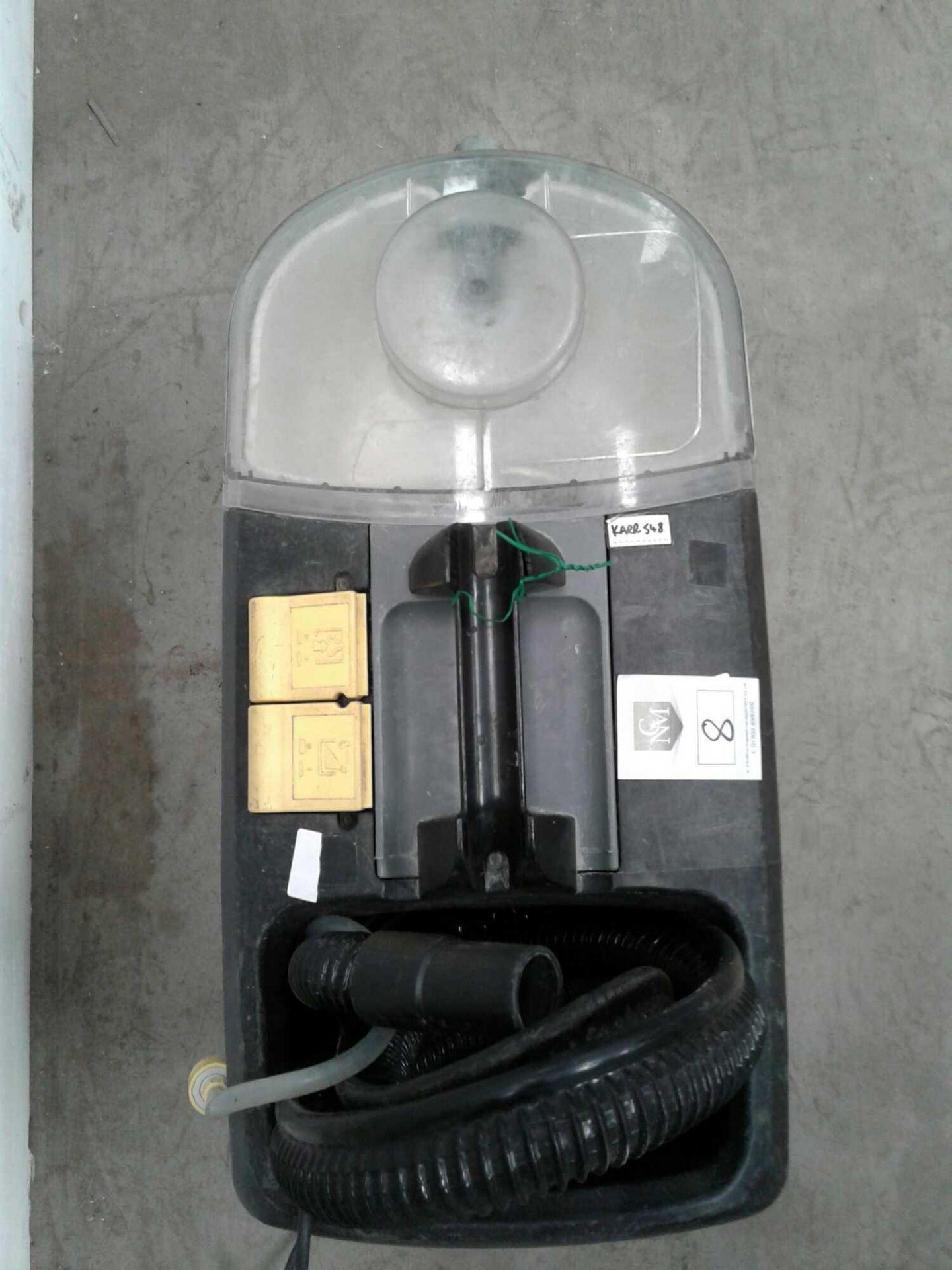Lot 8 - Karcher carpet cleaner 230v
