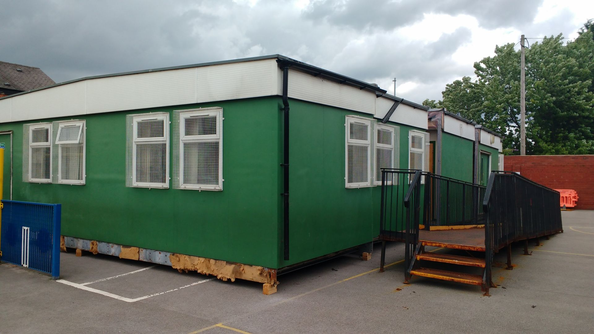 Lot 1 - Modular Building 18m long x 9m wide *Low Reserves*