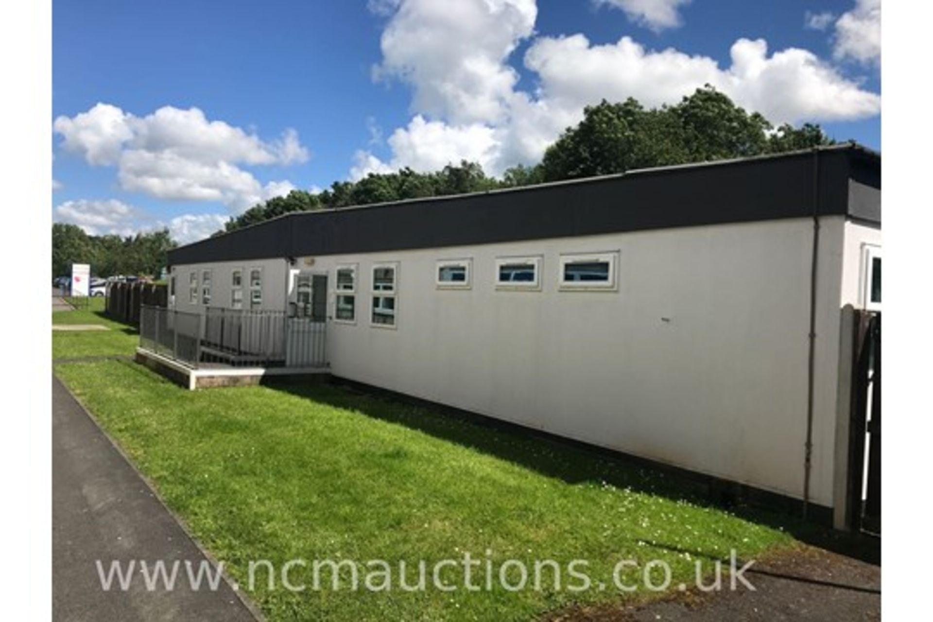 Lot 3 - Building/Portacabin