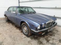 Daimler Double Six Vanden Plas