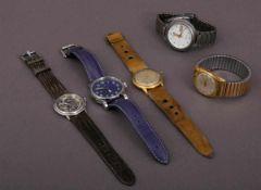 5teiliges Konvolut versch. Armbanduhren, alle ungeprüft. Versch. Alter, Größen, Materialien,