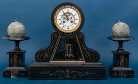 3 teilige Kaminuhr um 1900/ 20, schwarzes Marmorgehäuse mit feinem Goldschnittdekor. Höhe der Uhr: