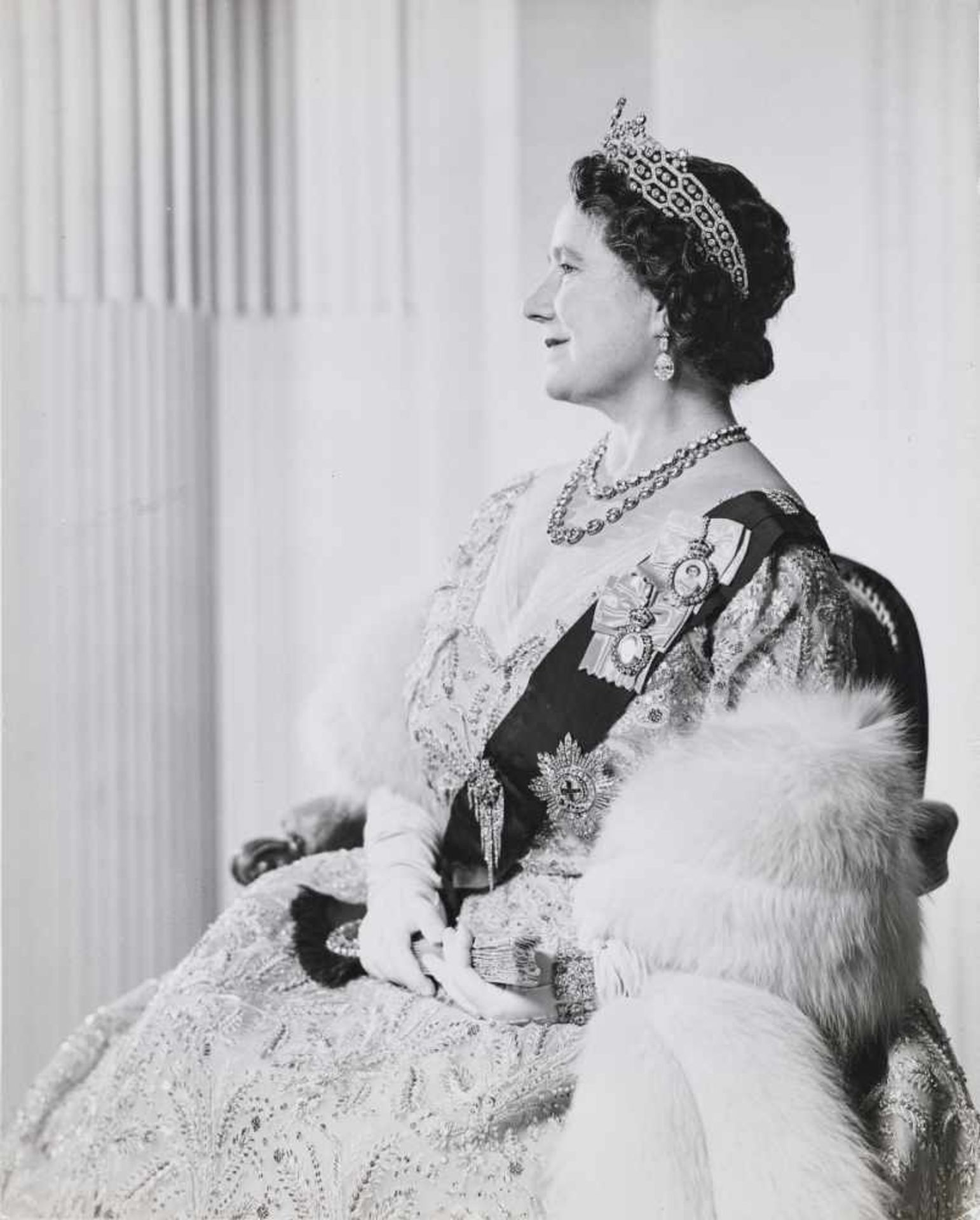 Buckley, Anthony1912 London - 1993 London Portrait of the Queen Mother. 1963 Vintage silver
