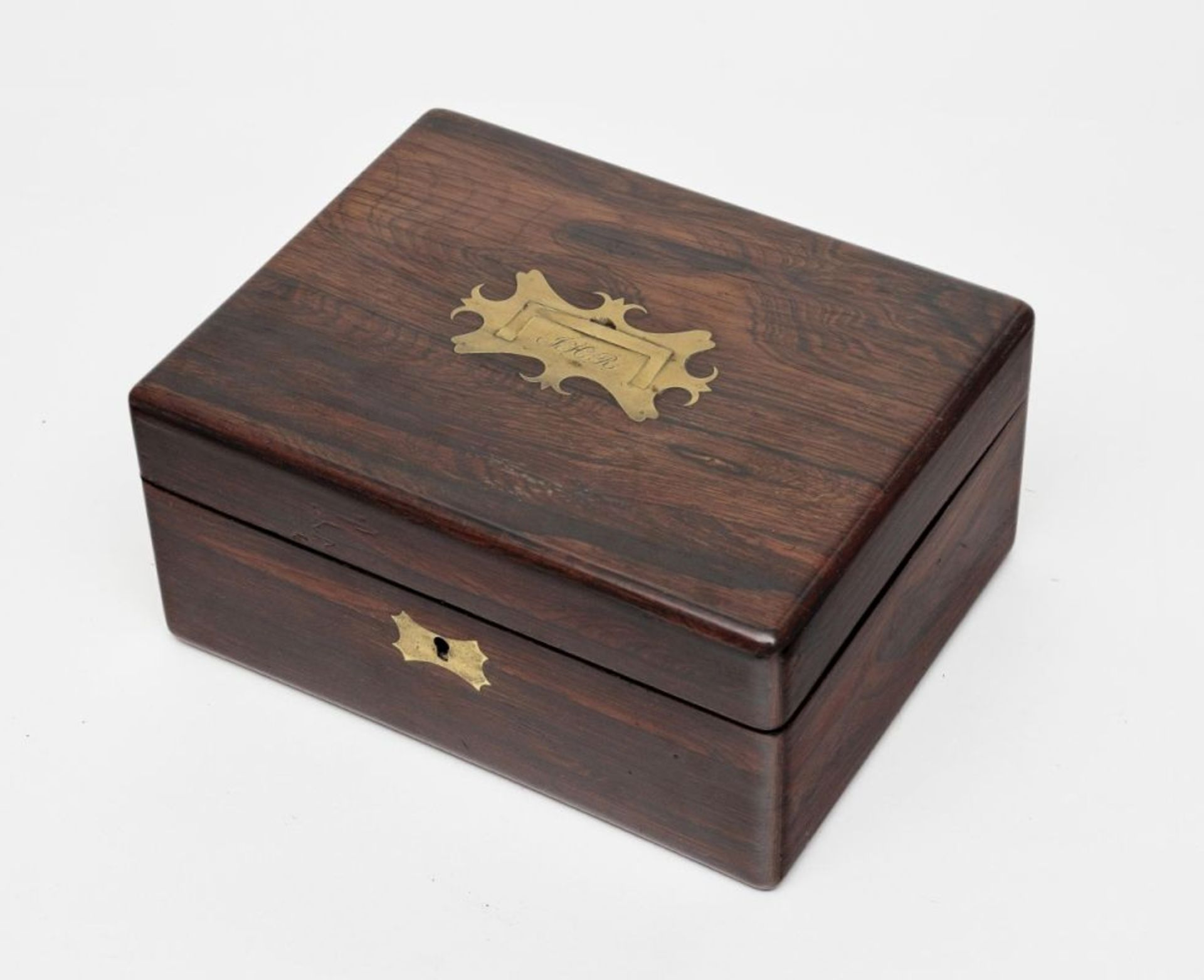 Gentleman's Dressing Case19th Century Rosewood case with red velvet lining. Upper side of lid with - Bild 2 aus 2