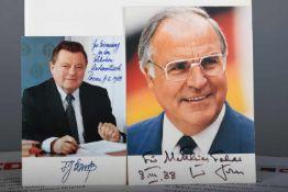 CDU/CSU - MemorabilienKonvolut aus zwei signierten Postkarten von Franz Josef Strauss und Helmut