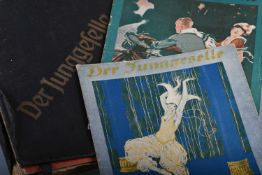 """31 Hefte """"Der Junggeselle""""Aus den Jahrgängen 1920/21, im losen Bucheinband. Tlw. bemalt, gelesen"""