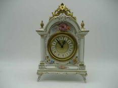 Porzellan Uhr Dresden, Volkstedt Rudolstadt, Unruh-Hemmung, ohne Schlag, H 32 B 21 T 12 cm, Funktion