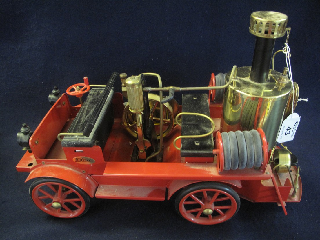 Lot 43 - Wilesco precision live steam fire engine D305 in red livery. (B.P. 24% incl.