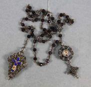 Rosenkranzum 1800, stellenw. 13lötiges Silber, wohl Schwäbisch Gmünd, Credo, Medaillon u. Kruzifix