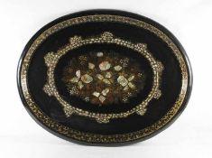 große Intarsienplatte19. Jhd., England, große ovale Platte, ebonisiert, mit eingelegten